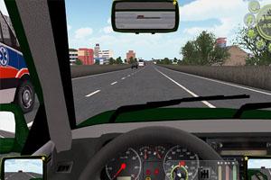 利用动感汽车模拟器体验危险驾驶